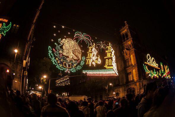 Las calles aledañas al centro de la capital mexicana, lucían adornadas c...