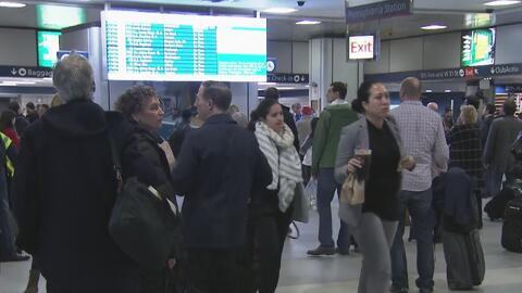 Continúan los retrasos e inconvenientes en la Penn Station por el descar...