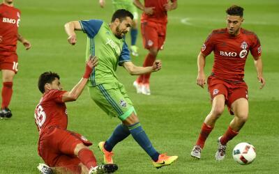 Herculez Gomez ante Toronto FC