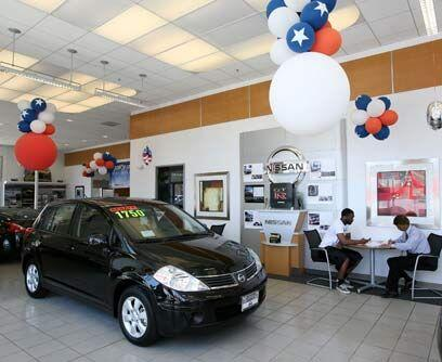NissanLas promociones de Nissan también incluyen a su división de lujo I...