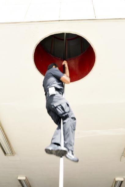 ¿Quién no se ha imaginado el famoso tubo por el que los bomberos se desl...