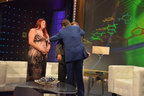 Miren el gran abrazo que le dio, porque su situación es sumamente...