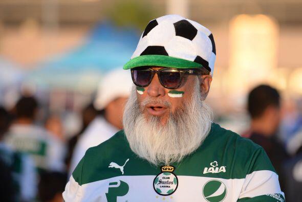 No cabe duda que para el fútbol no hay edad, este Guerrero pese a...