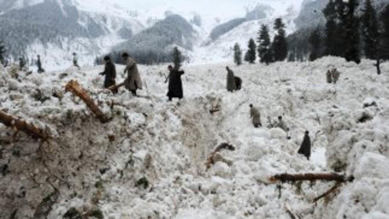 El rescate de los cadáveres, se ha complicado debido a las nevadas que c...