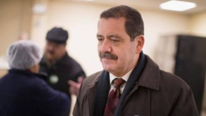 El candidato a la alcaldía de Chicago, Jesús 'Chuy' García, durante un e...