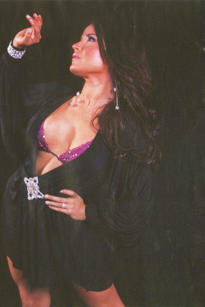 A esta puertoriqueña le encanta modelar, bailar, y sobre todo act...