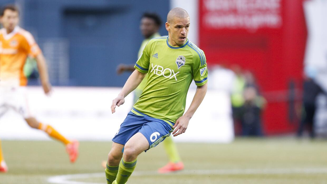 Osvaldo Alonso, Seattle Sounders