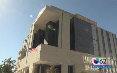 Investigan tiroteo contra edificios en Austin