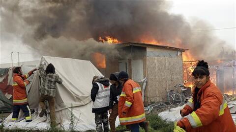 Un migrante sirio resultó herido leve por la explosión de...