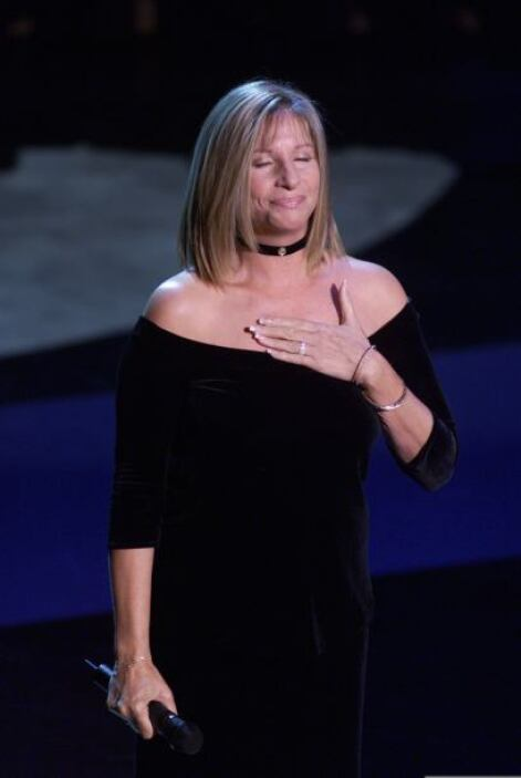 Tal vez todo se remonta a los años en que Barbra Streisand demostró que...