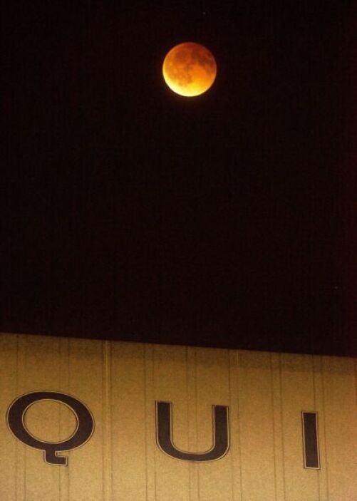California disfrutó del impresionante eclipse total de Luna.
