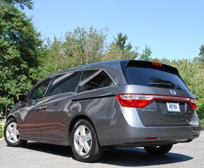 Honda Odyssey Sigue siendo la reina de las minivans y para no perder su...