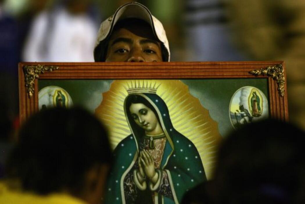 12 de diciembre. Millones de mexicanos le rinden homenaje a la Virgen de...
