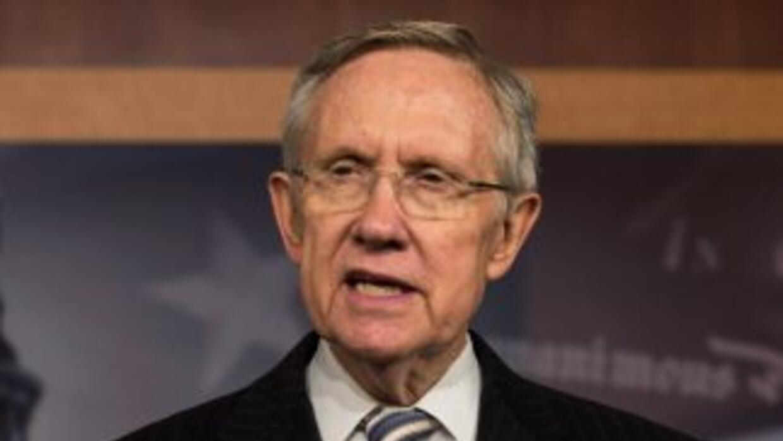 El senador demócrata Harry Reid (Nevada), líder de la mayoría en el Sena...