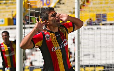 Jorge Mora anotó para Leones