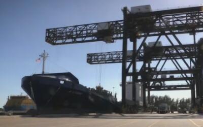 Llegó al sur de Florida el primer barco de exportación cubano en más de...