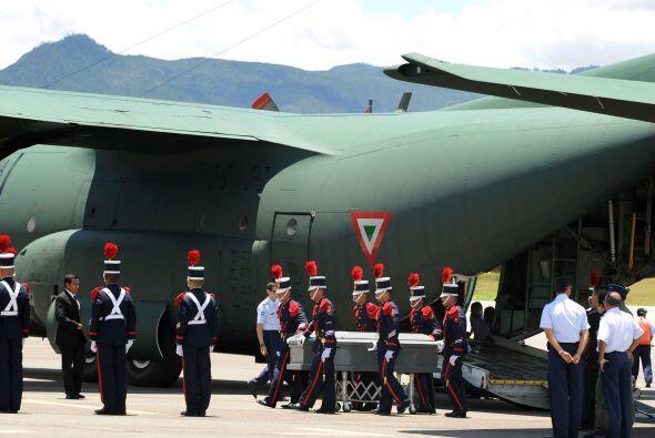 Honduras recibió con dolor los cadáveres de 16 hondureños asesinados en...