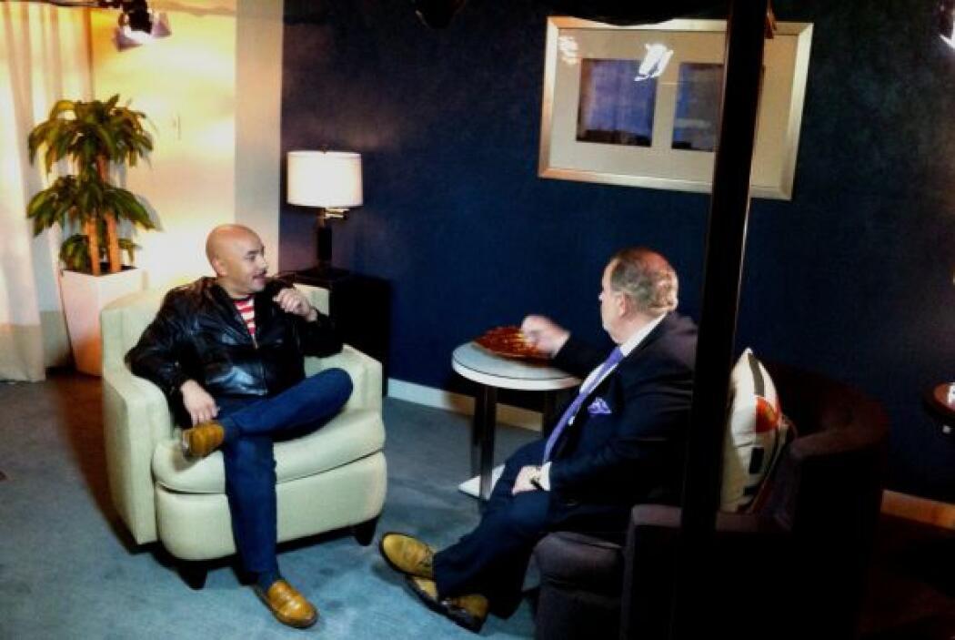Lupillo Rivera ofreció una conmovedora entrevista a Raúl de Molina, dond...