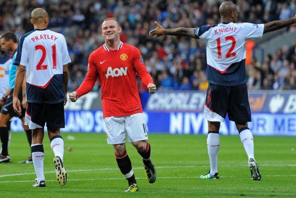 La dupla 'Chicharito-Rooney' sigue impecable. Wayne Rooney se destac&oac...