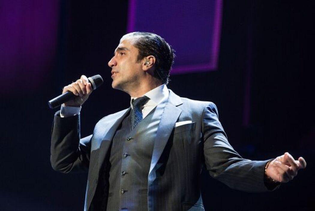 """Alejandro Fernández es un cantante mexicano .""""El potrillo"""" posee una sól..."""