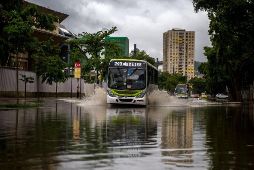 La importante avenida Brasil, que comunica el centro de la ciudad con lo...
