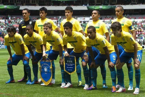 En el mismo 2011 la FIFA dio a conocer que 109 jugadores que disputaron...