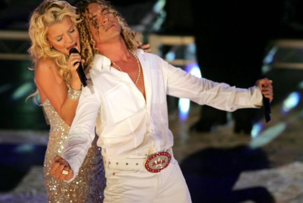 En 2004 David Bisbal se entregó a los brazos de Jessica Simpson. Juntos...