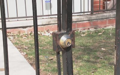 Policía de Chicago rechaza denuncia sobre la destrucción de una residenc...