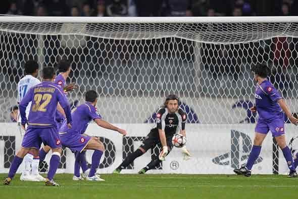 La Fiorentina aguató bien y se metió en octavos de final j...