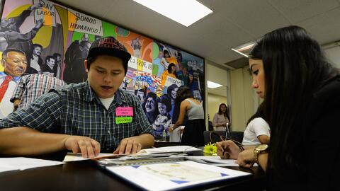 Jóvenes DACA cuentan sus preocupaciones ante nuevas directrices migratorias