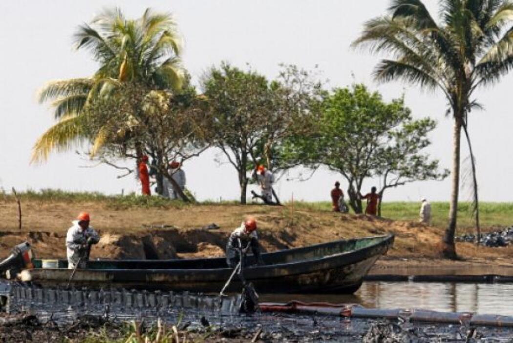 26 de octubre de 2007. Derrame de hidrocarburos en Veracruz afectó seis...