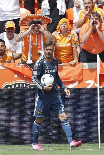 ¿Qué tanto le gritarían estos fans del Dynamo a Beckham? Aunque seguro q...