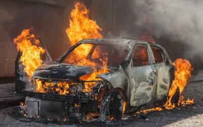 Un fraude de seguros frecuente en EEUU es prenderle fuego deliberadament...
