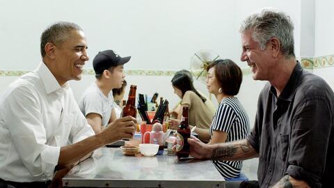 La cena de Bourdain y el presidente Obama costó alrededor de 6 d&...