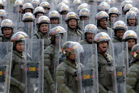 En la parada cívico militar en el Paseo de los Ilustres, en el sureste d...