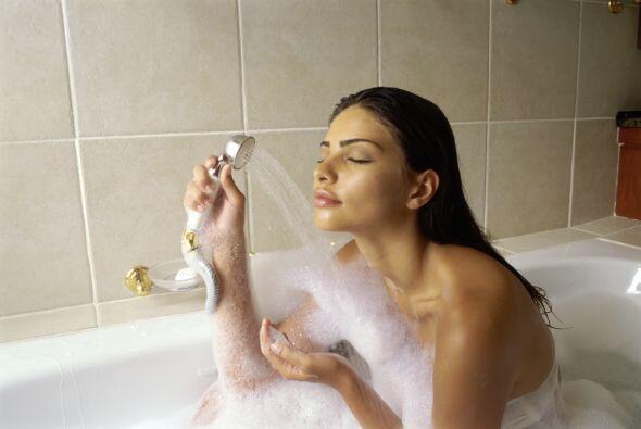 Agua fría: Pasar agua fría por tus senos ayudará a...