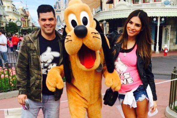 Para celebrar la semana 30 de embarazo se fueron a Disney.