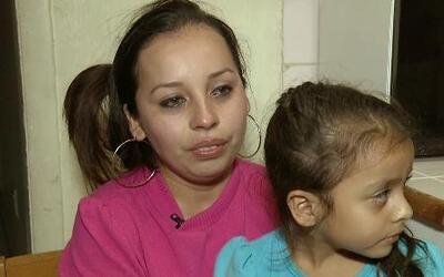 El tormentoso proceso de residencia de una madre hondureña