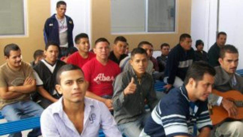 La Misión Dolores ofrece apoyo a los inmigrantes y a las poblaciones más...