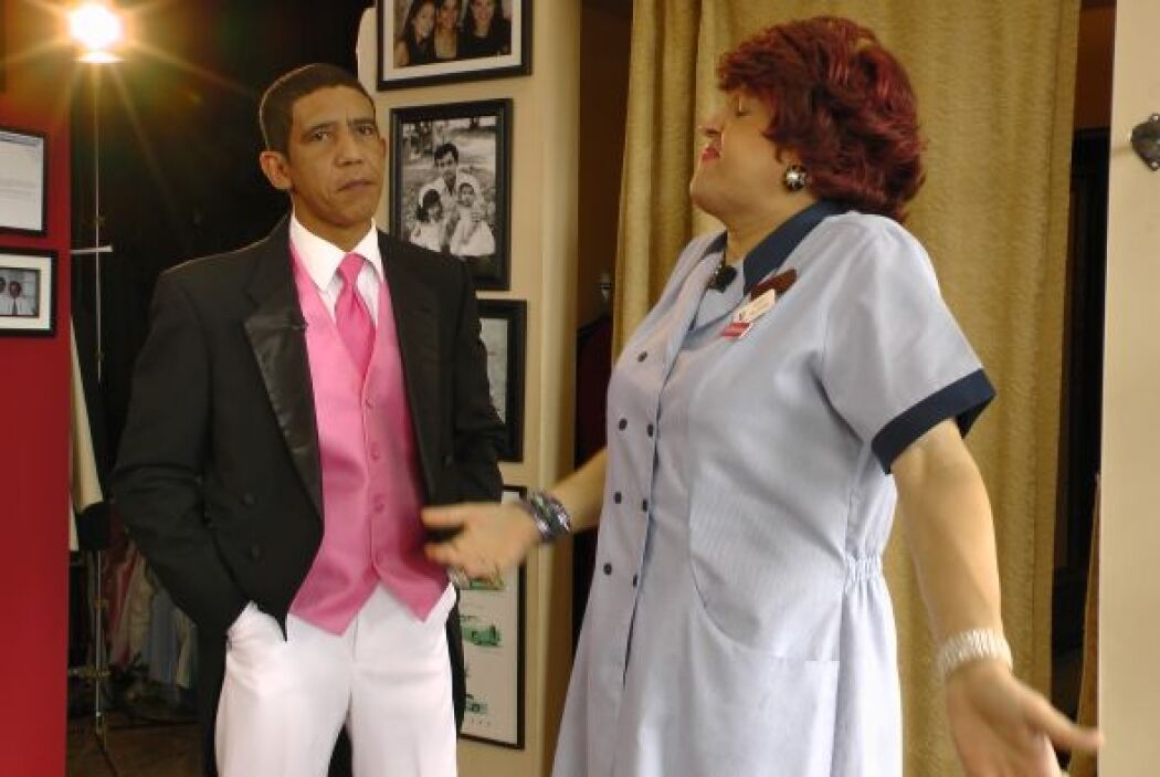 Obama de inmediato se negó a ir de rosa, aunque Meche trataba de convenc...