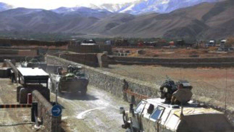 Al menos 52 personas, entre ellas 45 soldados afganos, resultaron herida...