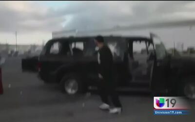 Sorprendente ataque vandálico al automóvil de un hombre en Stockton