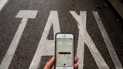 Si bien el Concejo aprobó normas más flexibles para Uber y Lyft, estos s...