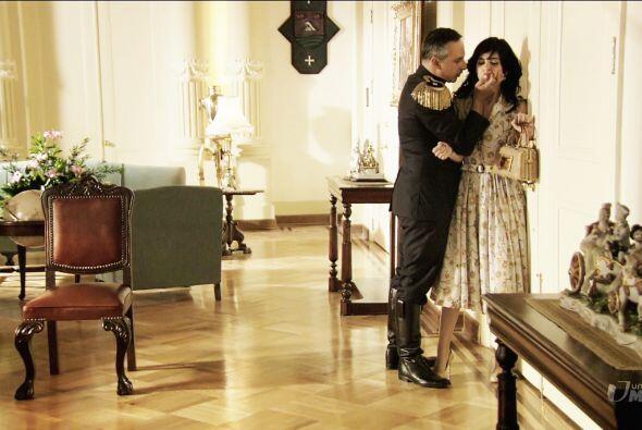 'El Chivo' intentó abusar de ella, pero Ángela le aclaró que sólo sentía...