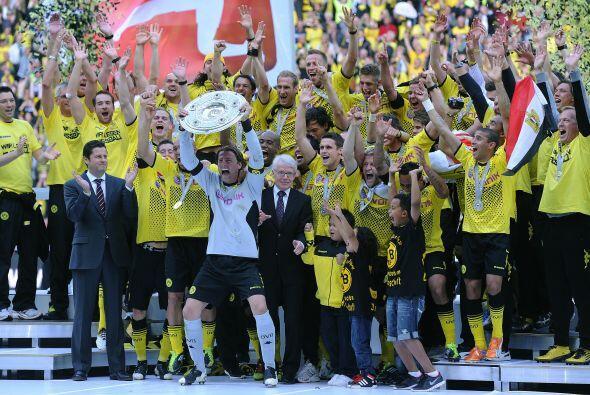 Alemania: La Bundesliga teutona se pintó de amarillo y negro con...
