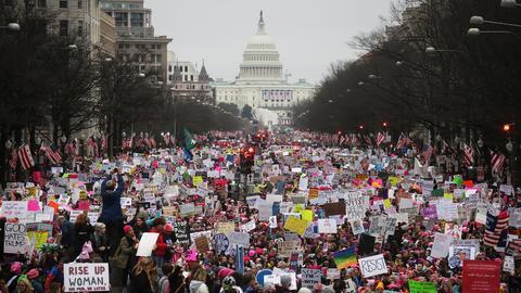 Las autoridades estiman que medio millón de personas salieron a las call...