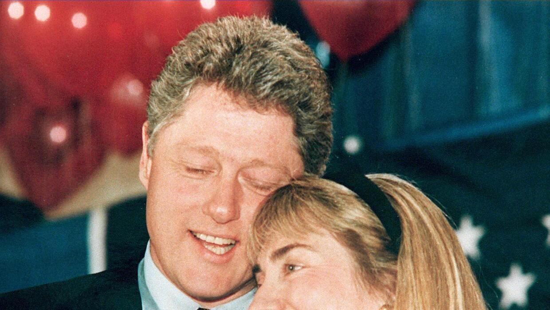 Bill y Hillary Clinton a principios de los noventa, cuando él gobernaba...