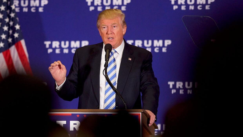 """Donald Trump: """"Vamos a anular todos los fondos federales que van a las c..."""