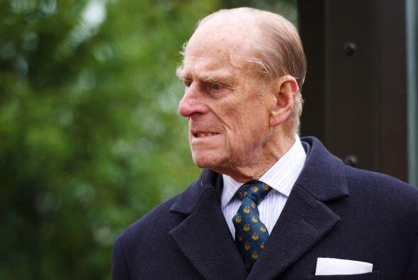 El Duque de Edimburgo, esposo de la reina Isabell II de Inglaterra, es c...