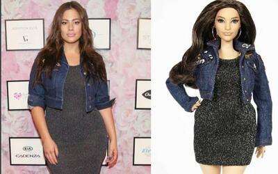 Ashley Graham inspiró una Barbie con curvas marcadas y que se le juntan...